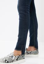 Sissy Boy - Hem detail skinny jeans - dark blue
