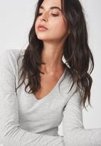 Cotton On - Everyday long sleeve v-neck top - grey