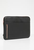 Typo - Take charge 15 inch laptop cover - black
