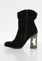 Plum - Faux suede star ankle boot - black