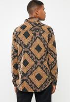 Cotton On - Long sleeve printed flannel shirt - black & tan