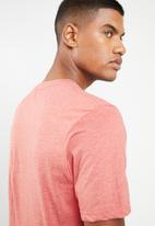 Cotton On - Central ath T-shirt - peach