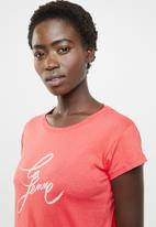 Cotton On - Tbar friends graphic tee - red