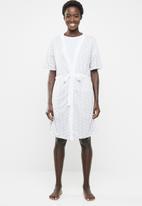 edit - Short sleeve gown - grey