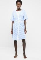 edit - Short sleeve gown - blue and white