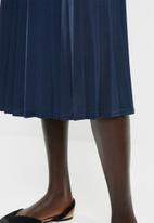 edit - Pleated flared skirt - navy
