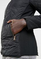 edit - Diamond quilted puffer jacket - black