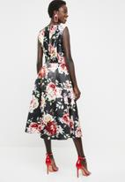 edit - Fit and flare dress with round neckline - black, pink & green
