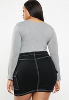 STYLE REPUBLIC PLUS - Scoop neck bodysuit - grey