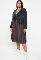 Brave Soul - Plus size stripe midi dress - multi