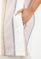 AMANDA LAIRD CHERRY - Nozibele plus button through tunic - multi