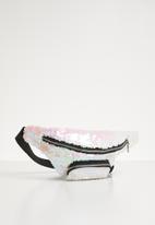 POP CANDY - Sequin moonbag - silver