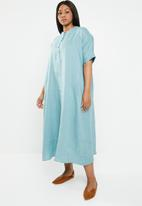 AMANDA LAIRD CHERRY - Lumka plus stripey kaftan with front tie - blue