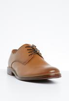 Call It Spring - Erorenna formal shoe - tan