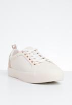 Call It Spring - Faux leather lace-up flatform sneaker - light pink