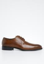 POLO - Tram line punched vamp lace up - tan