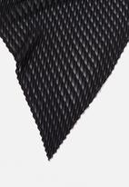 Cotton On - Soho broadway pleat scarf - black