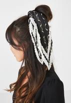 Cotton On - Soho broadway pleat scarf - multi