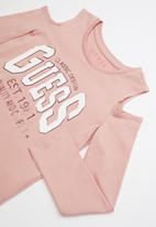 GUESS - Long sleeve cold shoulder varsity tee - pink