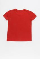 GUESS - Short sleeve guess plastisol tee - red