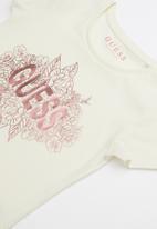GUESS - Short sleeve classic flower tee  - cream