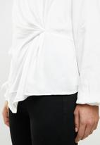 Vero Moda - Faithy long sleeve midi top - white