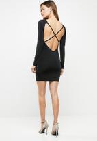 Missguided - Open back long sleeve mini dress black - black