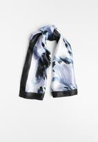 Joy Collectables - Moanna printed scarf - blue