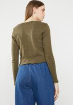 Missguided - Horn button lettuce long sleeve crop top - khaki