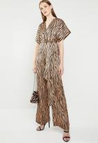 Missguided - Satin animal belted jumpsuit - bronze