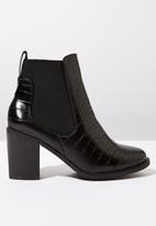 Cotton On - Snakeskin faux leather ankle crocodile embossed boot - black