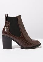 Cotton On - Snakeskin faux leather ankle crocodile embossed boot - brown & black