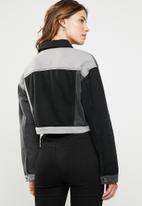 Missguided - Colour block patchwork denim jacket - black