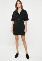 Missguided - Utility buckle shirt dress - black
