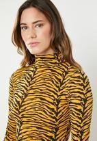 Missguided - Animal print high neck bodycon dress - orange & black
