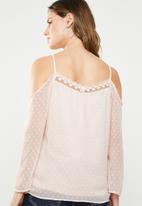 ONLY - Darling cold shoulder 3/4 top - neutral