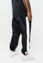 Nike - Nsw pant wvn - black & white