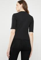 Levi's® - Rib slim tee cropped - black