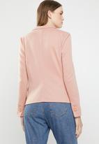 Vero Moda - Julia long sleeve blazer - pink