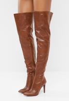 Plum - Thigh high stiletto boot - tan