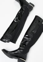 Miss Black - Patent over the knee boot - black