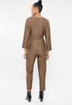 Superbalist - Tie front ponti jumpsuit - camel & black