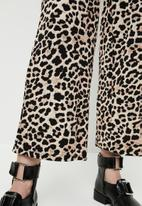 Superbalist - Animal print culottes - black & brown