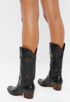 Plum - Rustic calf-length boot - black