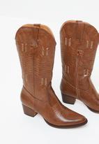 Plum - Rustic calf-length boot - brown
