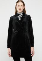 ONLY - Luxe longline velvet blazer - black