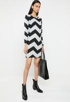 ONLY - Elcos zig zag bodycon dress - grey
