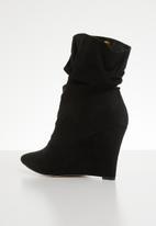 Footwork - Chrsyalline wedge boot - black