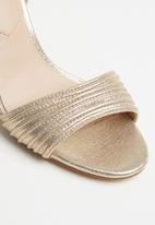 ALDO - Metallic ankle strap heel - gold