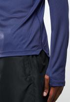 Asics - Silver long sleeve 1/4 zip top - navy
